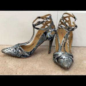 JustFab snake skin heels 8.5